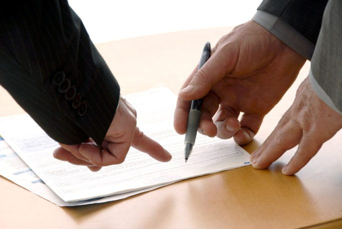 signé un contrat de travail Changement d'employeur et transfert du contrat de travail signé un contrat de travail