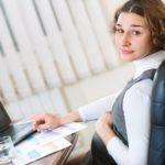 Congé maternité : l'employeur doit-il maintenir la part variable de la rémunération?