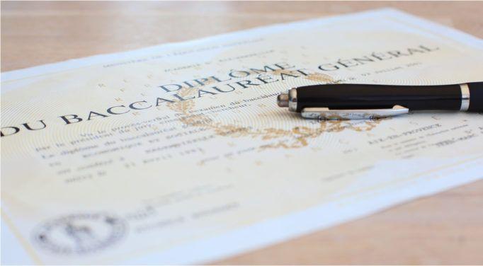 Peut-on licencier un salarié qui a menti sur son diplôme?