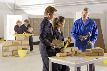 Apprentissage : les TPE toujours frileuses malgré les aides