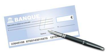 La responsabilité des banques peut-elle être engagée quand elles admettent des chèques qui portent deux noms ?