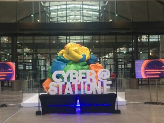 Station F lance un chatbot pour orienter les start-up dans le maquis administratif